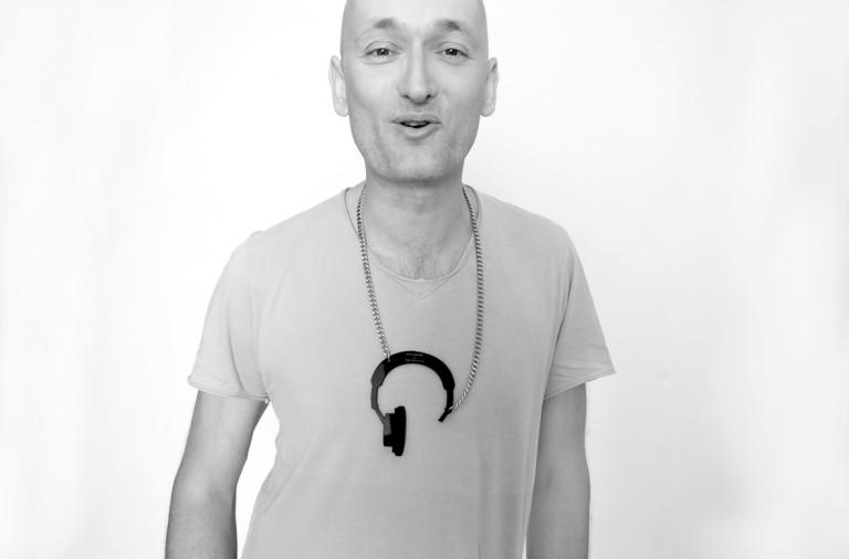 Tobi Neumann ist ein Techno-DJ aus Berlin