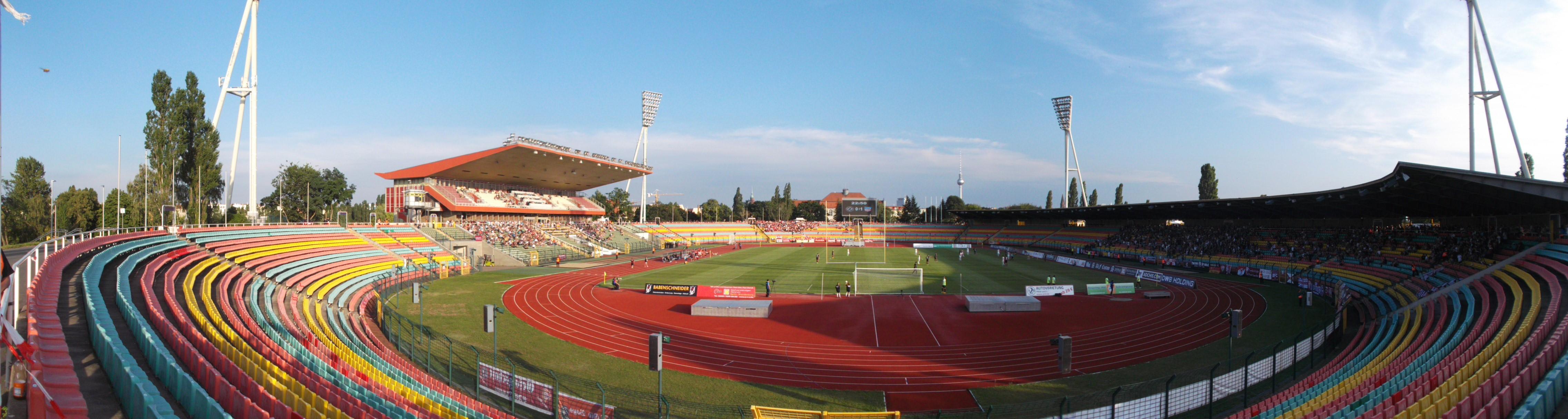Jahnsportpark, Berliner Pokal, Fussball