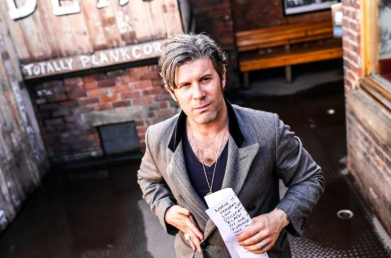 ed_harcourt_manchester_29_june_2016_mike_hughes_-30_1042_694