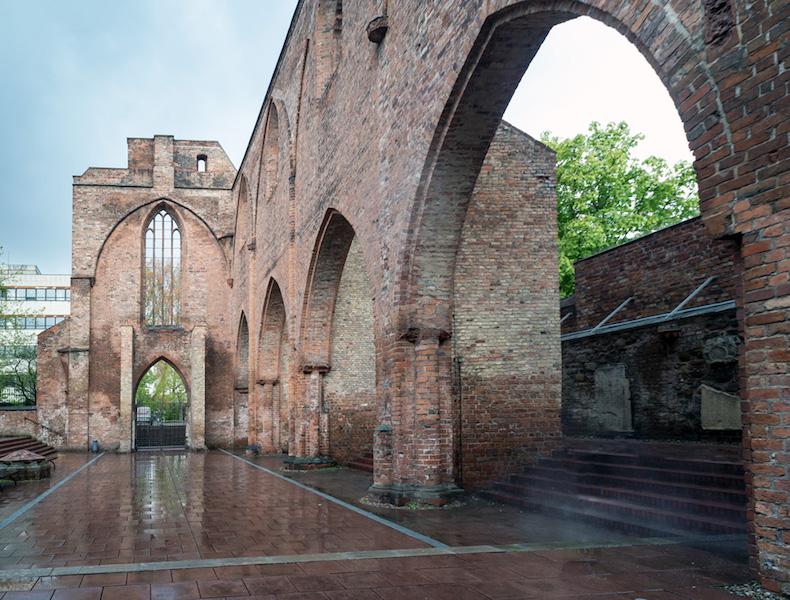 Ruine der Klosterkirche, Ausstellung, Berlin, Installation