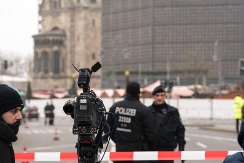 Richtige und falsche Beamte, Berlin