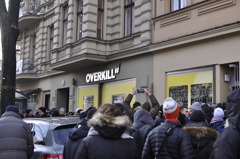 VideoWas X Sneaker KreuzbergDer Geht In Bvg Ab Overkill Adidas dxBrCoWe