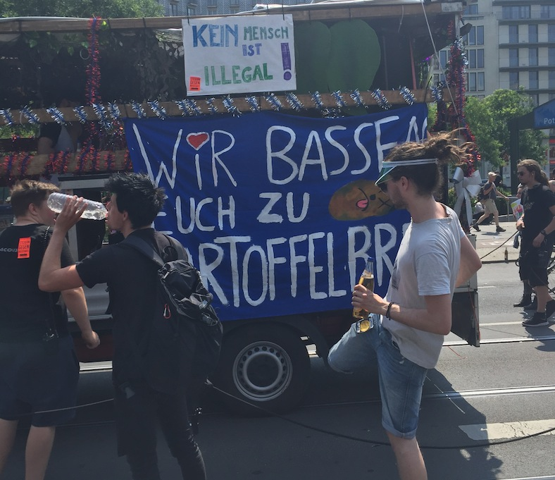Berlin, 030, Magazin, AFD, Demo, Rave, Gegendemo, AFDwegbassen, Demonstration, PotsdamerPlatz