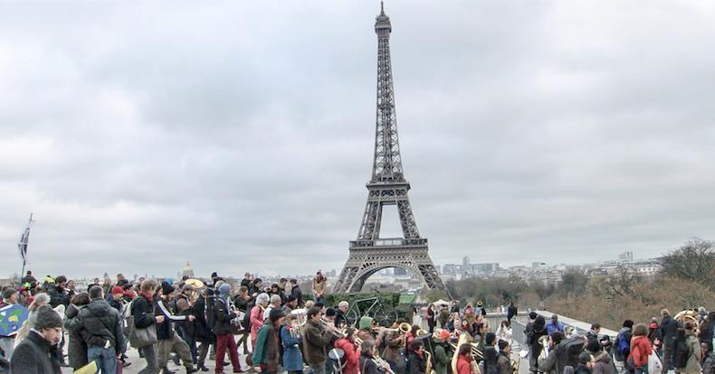 Guardians, Earth, Paris