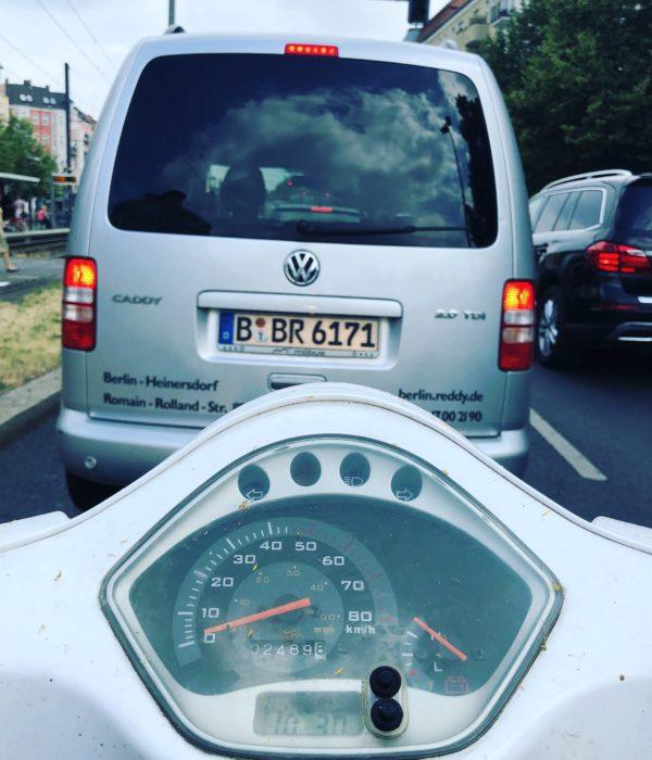 Roller, Verkehr, Auto