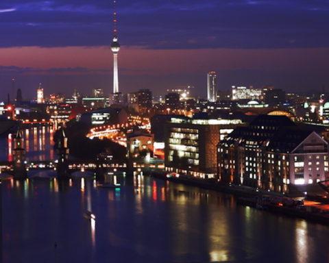 City, Film, Musik, Elektro, Liebe,Berlin, Nachtleben, Nacht, Lichter