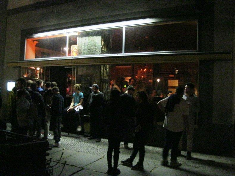 Bohnengold, Bar, Berlin, Kreuzberg, Reichenbergerstraße,Tanzfläche