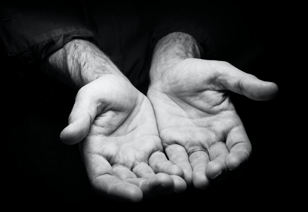 Hände, Hand, Solidarity, Solidarität, Wohnen, Gemeinschaft, Flucht, Flüchtlinge, Unterkünfte, Gesellschaft, 030, 030 Magazin