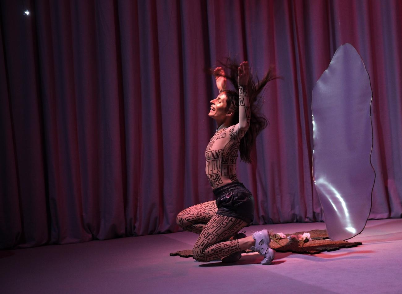Kat Valastur, Stellar Fauna, Tan, Choreografie, Performance, Musik, Kunst, 030, 030magazin, Hebbel am Ufer,