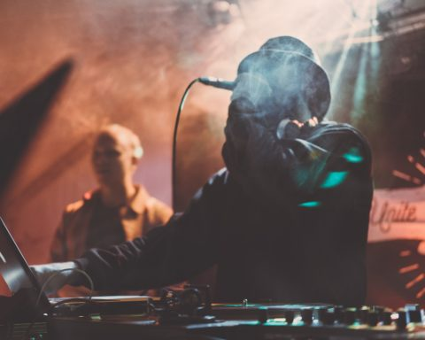 DJ im Nebel, Berlin, Party