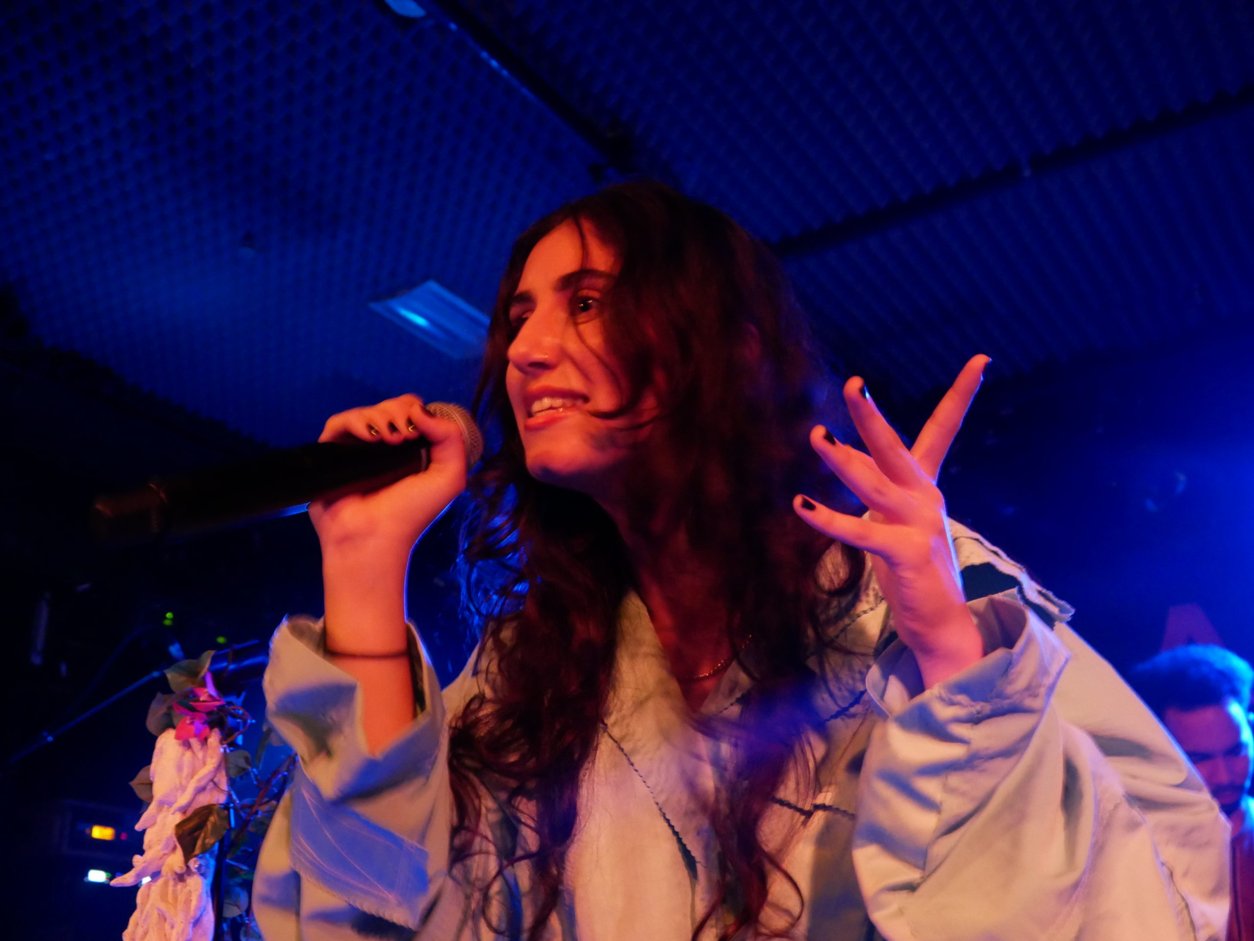 Naaz, Singer, Niederlande