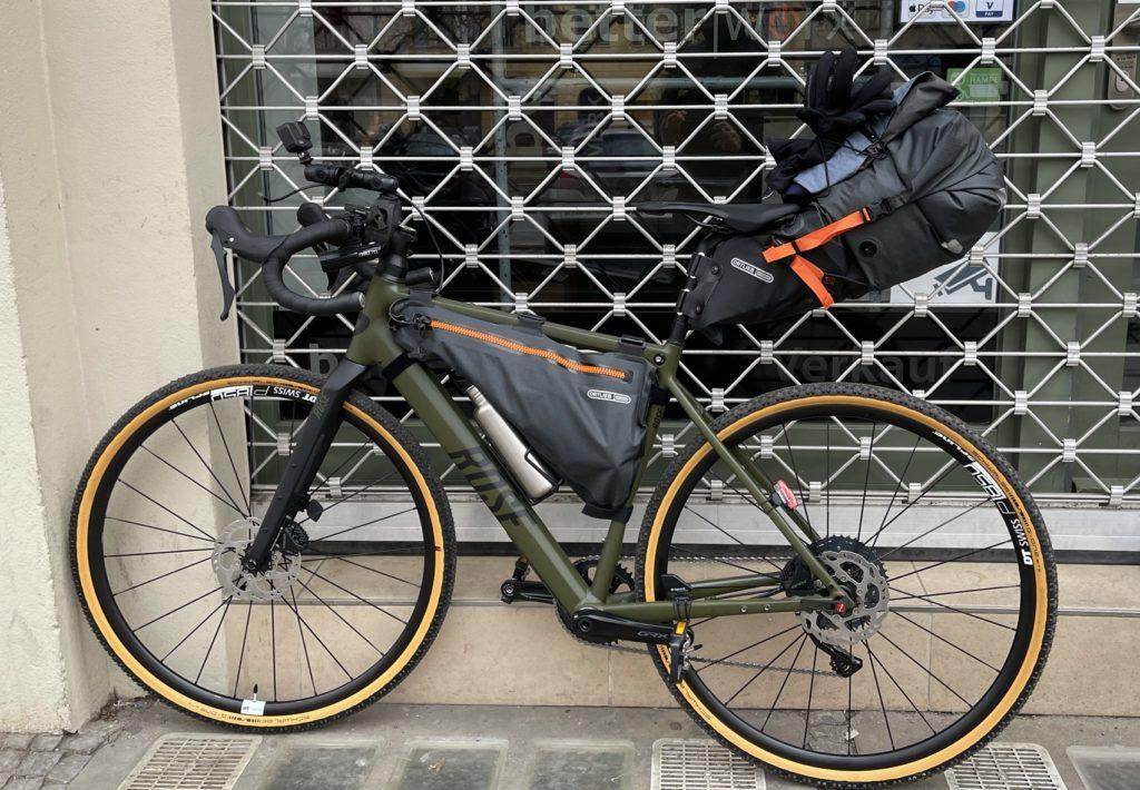 Bikepacking Tour Berlin Ostsee mit Gravelbike und GORE-TEX Ausrüstung